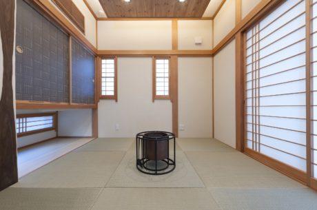 和室は琉球畳で拵え
